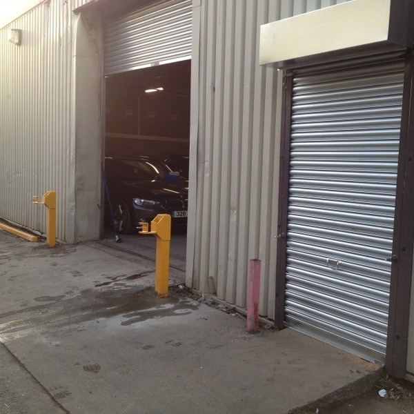 Williams-BMW-Ram-Bar-and-Roller-Shutter